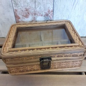 rattan jewellery box with clear glass lid
