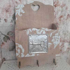 patterned shabby chic key wall tidy