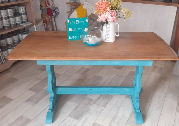 oak dining table painted in annie sloan provence