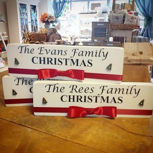 personalised family christmas plaque with bow