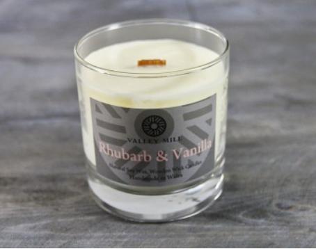 rhubarb & vanilla soy candle