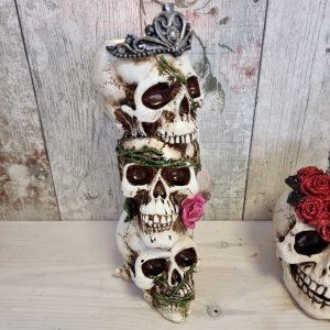 triple skull halloween tealight holder